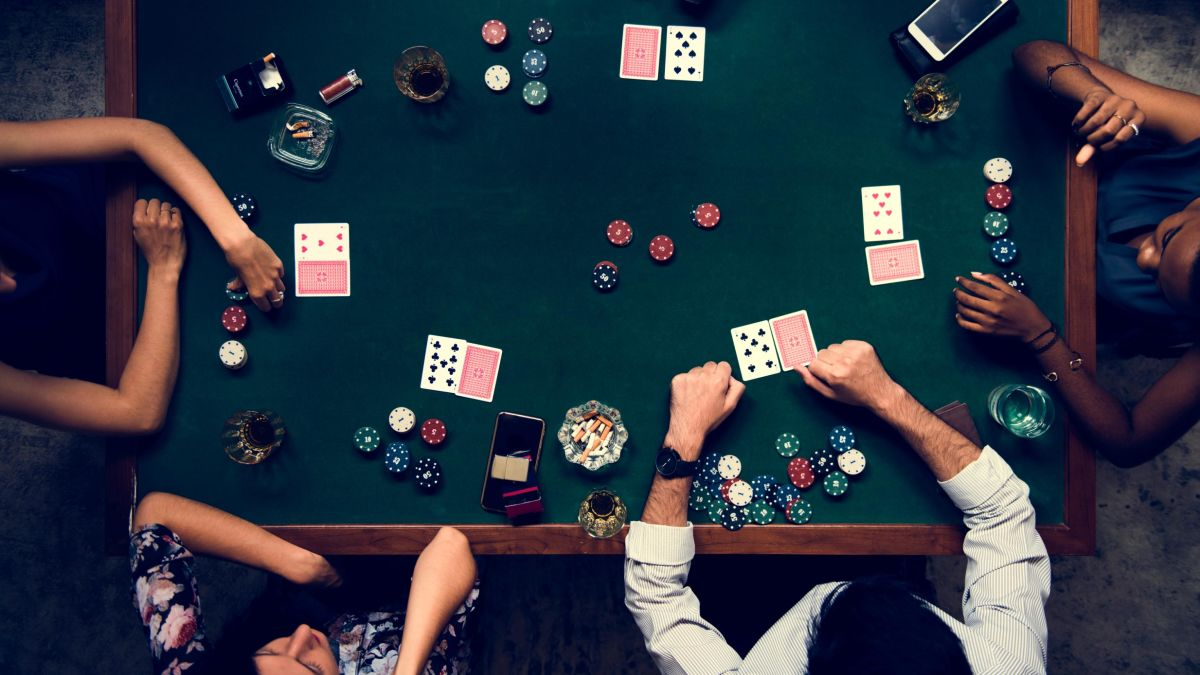 Facebook researchers trained AI to beat poker pros at Texas Hold 'Em